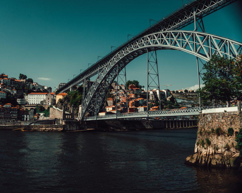 Porto Geazi Rehberi, Portekiz Gezi Rehberi, Portekiz Tur Rehberi, Portekiz Rehberi, Portekiz Yaşam, Portekize Yerleşmek, Portekiz çalışma izni nasıl alınır, Portekiz çalışma Vizesi nasıl alınır, Portekiz oturma izni, Portekiz vatandaşlığı evlilik, Portekiz vatandaşlık alma, Portekiz vatandaşlık şartları 2020, Portekiz Göçmenlik, Portekiz vatandaşlığı avantajları