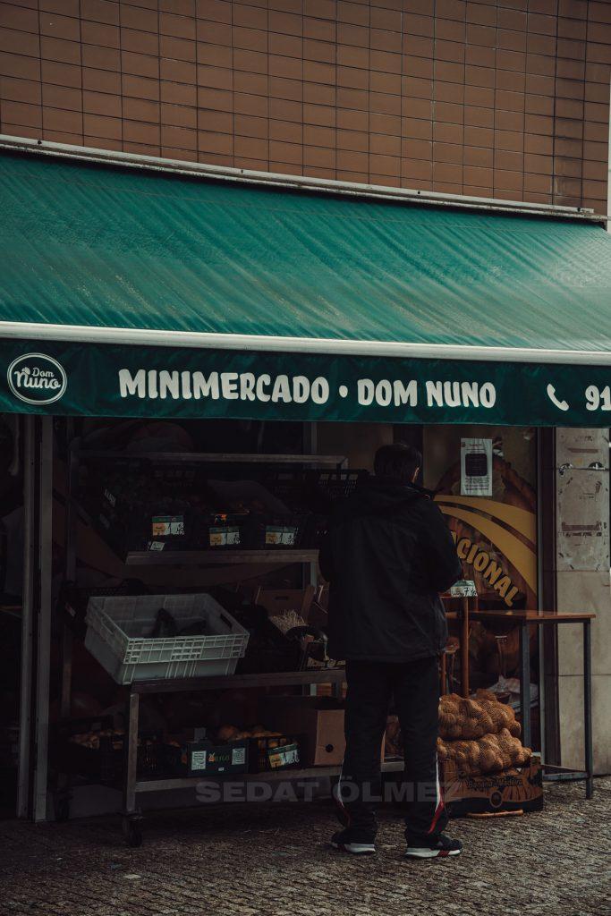 Portekizde gıda masrafları, Portekiz Mutfağı, Portekiz kahvaltısı, Portekiz İçecekleri, Portekizliler kahvaltıda ne yer, Portekiz Öğle Yemeği, Portekiz akşam yemeği, Portekizliler öğlen ne yer, Portekiz çorbası, Bitoque tarifi, portekizin simgesi, Portekiz sardalya